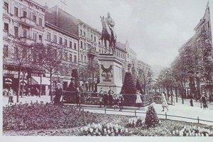 """Karl-Marx-Platz/Hohenzollernplatz um 1902 (aus: """"Die Karl-Marx-Straße - Facetten eines Lebens- und Arbeitsraums"""")"""