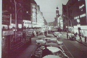 """Karl-Marx-Straße um 1960 (aus: """"Die Karl-Marx-Straße - Facetten eines Lebens- und Arbeitsraums"""")"""