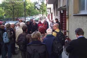stolperstein-verlegung john sieg, gunter demnig, jonasstraße 5a neukölln