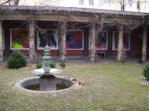 atrium kinderkünstezentrum berlin-neukölln, tibetischer baum