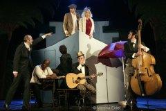 zwei krawatten - eine echte berliner revue, heimathafen neukölln, foto: verena eidel
