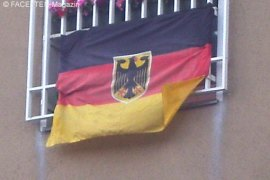 neukölln, fußball-em 2012, balkon-flagge deutschland