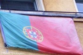 neukölln, fußball-em 2012, balkon-flagge portugal