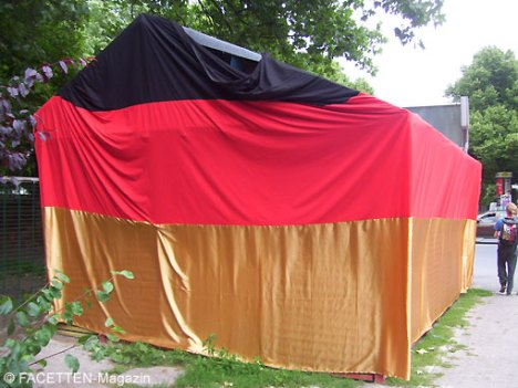 "euro 2012, fußball-em, imbiss ""bei papa"" hermannstraße neukölln"