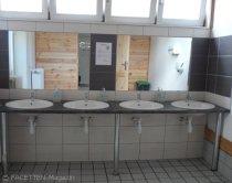scube park berlin-neukölln, waschraum gästehaus
