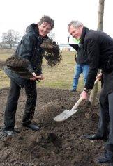1.baumpflanzung tempehofer feld_gaebler+schmidt