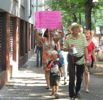 demo für tempelhofer paradiso_ schillerpromenade neukölln