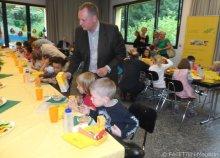 falko liecke_bio-brotboxen-verteilung_karlsgarten-grundschule neukölln
