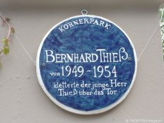 bernhard thieß_the blue plaque_körnerpark neukölln
