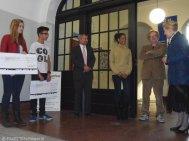 spendenübergabe albrecht-dürer-schule neukölln_afrikanische schul-projekte