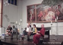 podium eröffnung kulturen des vertrauens_martin-luther-kirche neukölln
