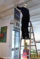 Ausstellungsaufbau 2_die sieben tische_museum neukoelln