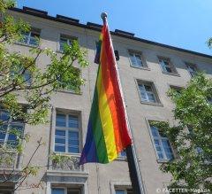 regenbogenfahne_rathaus neukölln