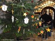 geschmückter wunschbaum_rathaus neukoelln