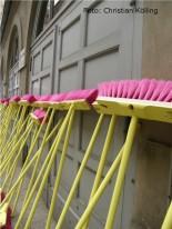 besen_sauberkeitskampagne schoen wie wir_neukoelln