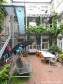 innenhof mosaik-wohnheim neukoelln